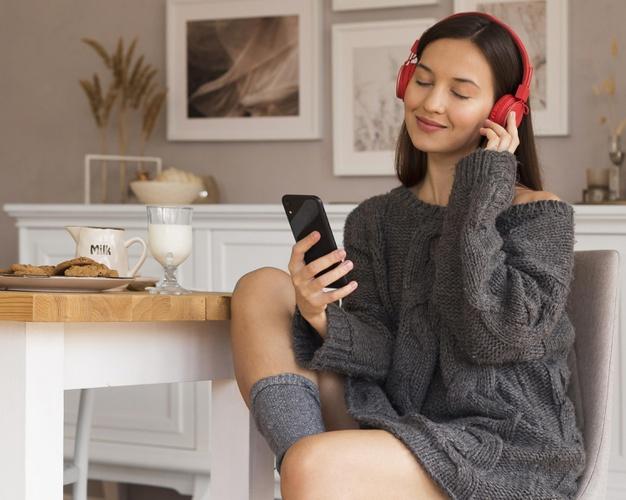การฟังเพลงจะยิ่งช่วยทำให้หลายๆคนเพลิดเพลินได้ post thumbnail image